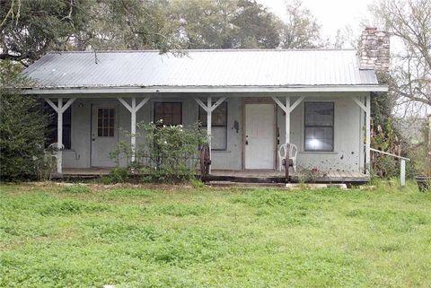Photo of 170 Whitetail Ln, Dale, TX 78616