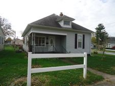 860 Walnut St, Clinton, IN 47842