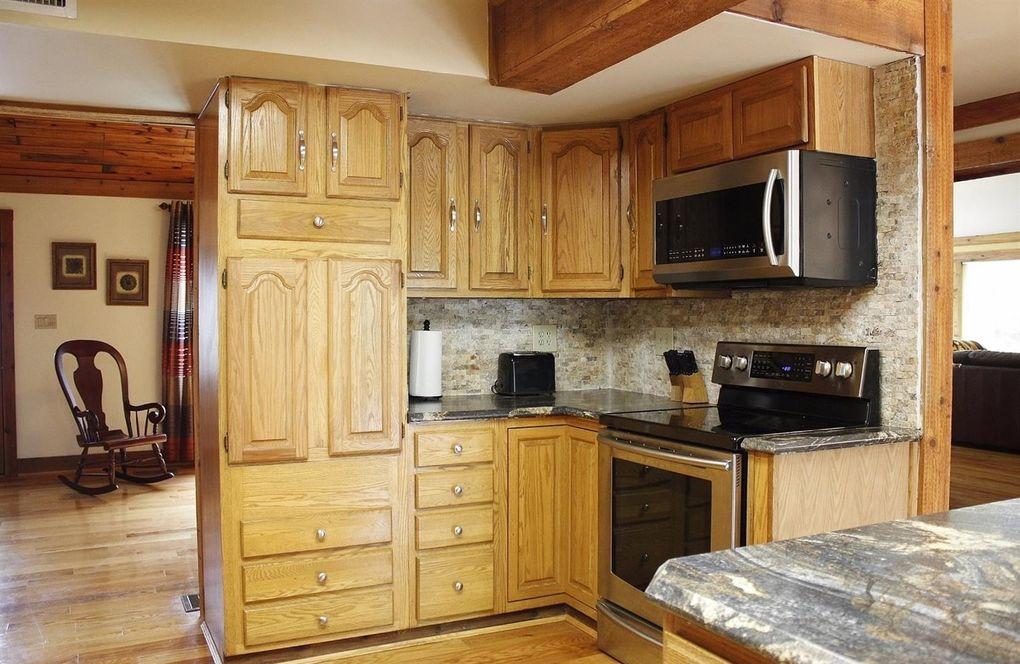 1565 Fay Rd, Goshen Township, OH 45140 - Kitchen
