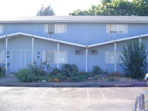 Photo of 573 Birch St Unit 4, Junction City, OR 97448