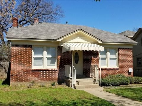 Photo Of 2849 W 12th St Dallas Tx 75211 House For Rent