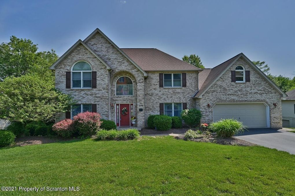209 Marcaby Ln Clarks Summit, PA 18411