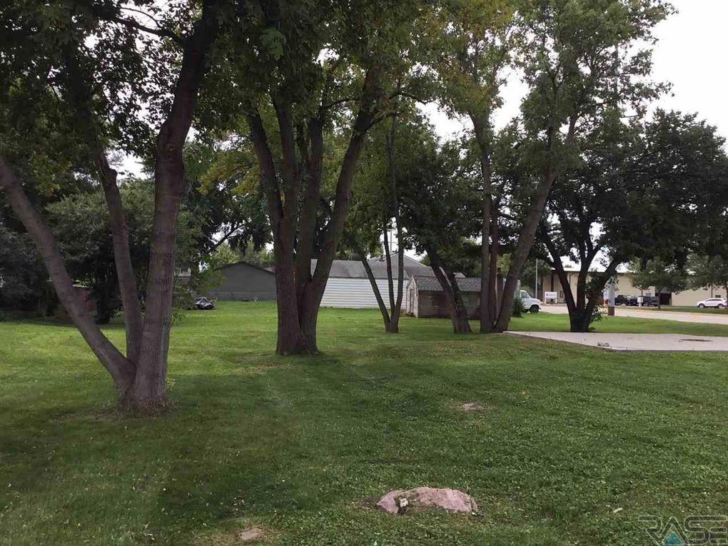 718 N Kiwanis Ave, Sioux Falls, SD 57104 - realtor com®