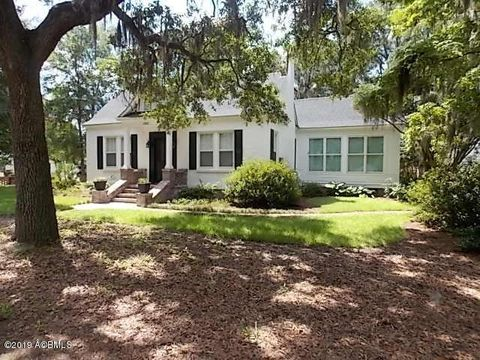 Photo of 2102 North St, Beaufort, SC 29902