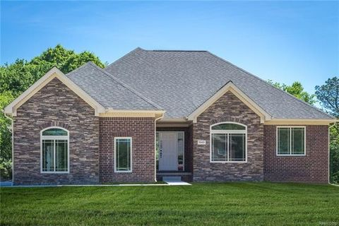 Photo of L Waldon Meadow Ct # 8, Orion Township, MI 48359
