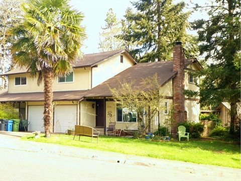290 Coachman Dr, Eugene, OR 97405