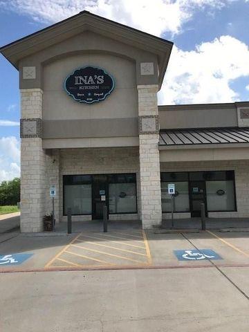 Photo of 30 East Ave, Schulenburg, TX 78956