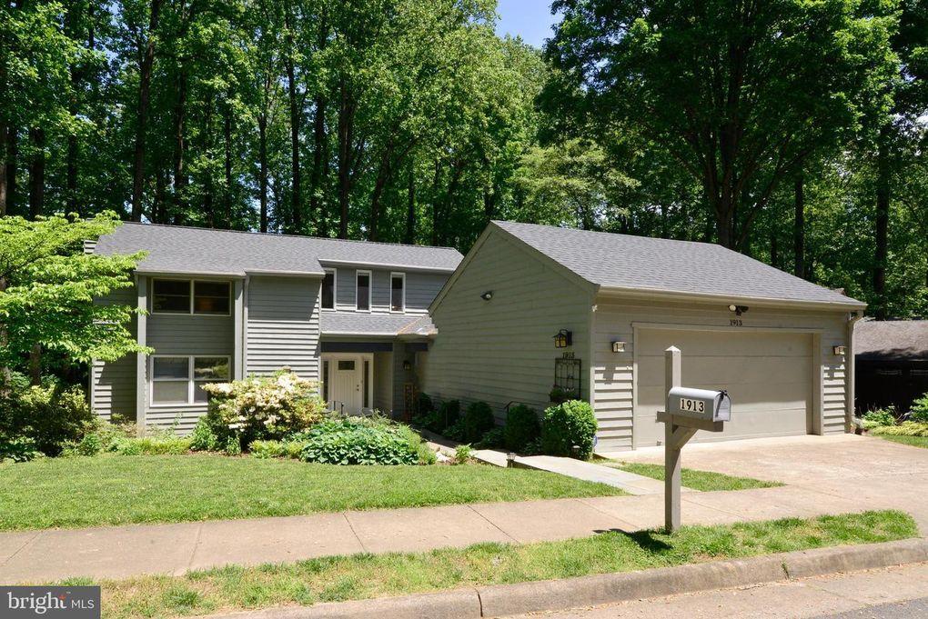 1913 Upper Lake Dr Reston, VA 20191