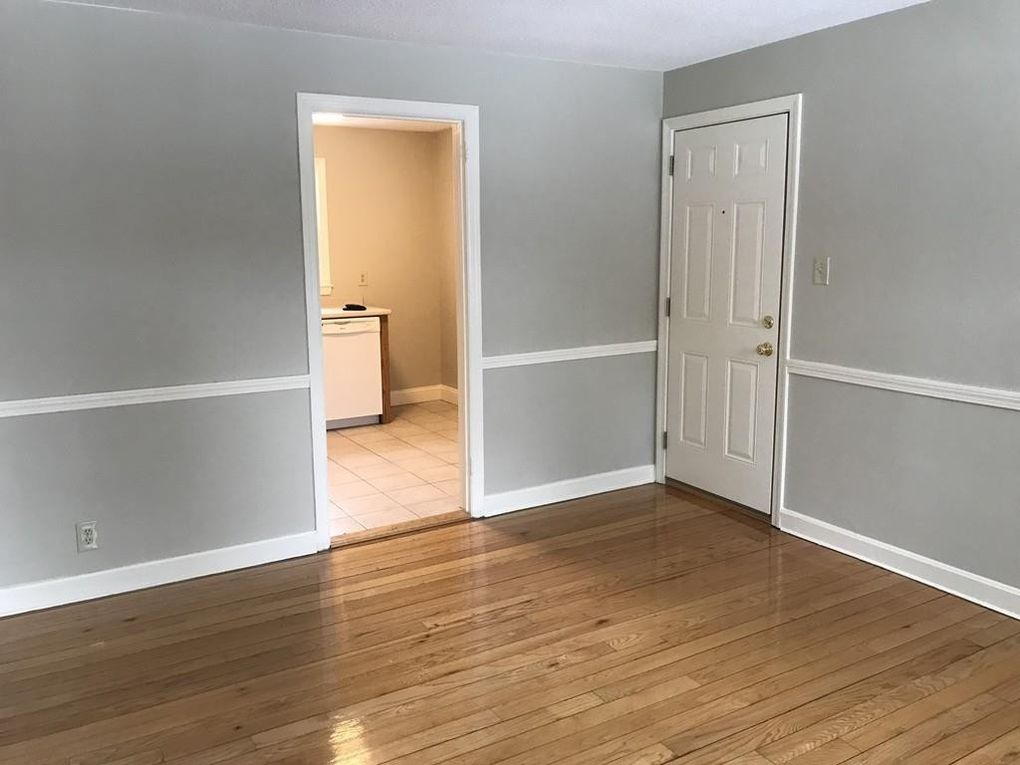 Tremendous 453 Cold Spring Ave Apt 1 A West Springfield Ma 01089 Home Interior And Landscaping Spoatsignezvosmurscom