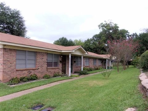 504 W Main St, Henderson, TX 75652