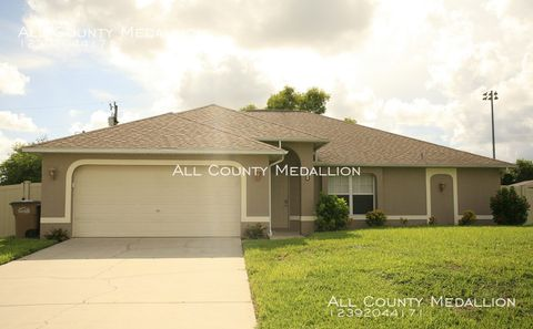 Photo of 3428 Sw 17th Pl, Cape Coral, FL 33914
