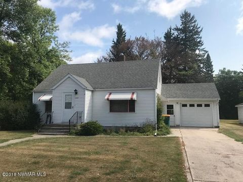 Photo of 230 S Montana St, Warren, MN 56762