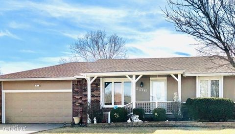Photo of 2216 S White Cliff Ln, Wichita, KS 67207