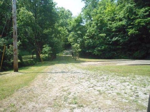 265 Scenic Ridge Rd, Frenchburg, KY 40322