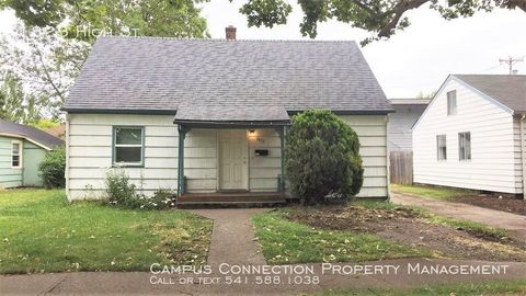 Photo of 1823 High St, Eugene, OR 97401