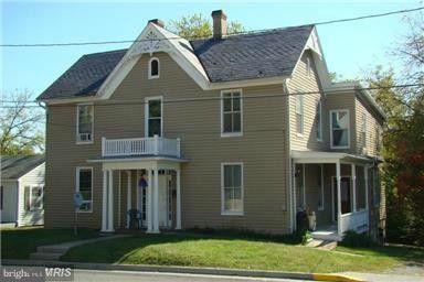 Photo of 323 Church St, Woodstock, VA 22664