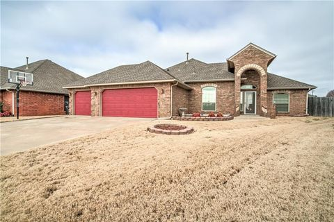 1205 Nw 14th Pl, Moore, OK 73170