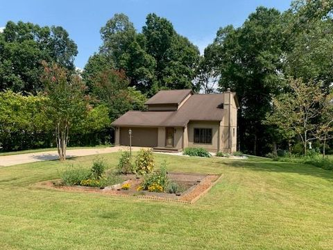 Photo of 320 Bridgeport Dr, West Union, SC 29696
