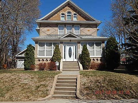 309 E Lawler Ave, Chamberlain, SD 57325