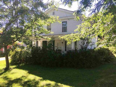 Photo of 24 South St, Middletown Springs, VT 05757