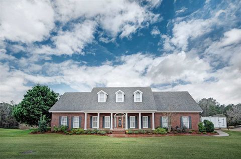 Photo of 13 Canebrake Dr, Crystal Springs, MS 39059
