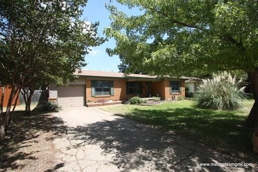 6717 John Dr, Richland Hills, TX 76118