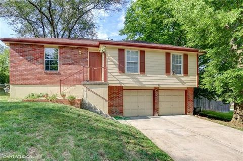 5400 Nw Downing St, Blue Springs, MO 64015