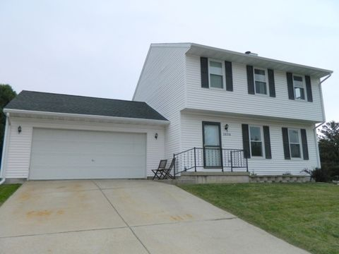 2636 3rd Ave, Monroe, WI 53566