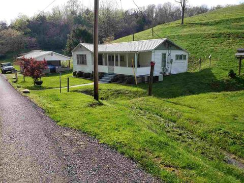 Photo of 410 Vinson Hollow Rd, Bybee, TN 37713