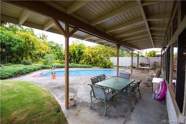 258 Kakahiaka St, Kailua, HI 96734