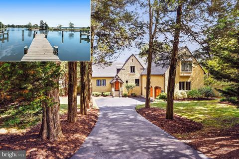 Photo of 421 Ferry Point Rd, Annapolis, MD 21403