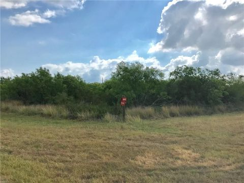 Photo of 800 B Second St, Bayside, TX 78340