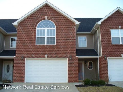Photo of 152 Twin Lakes Dr, Vine Grove, KY 40175