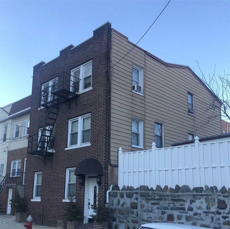 12 Rock St Jersey City Nj 07306 Realtor Com