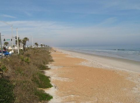47 Village Dr, Flagler Beach, FL 32136