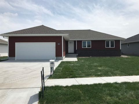 Photo of 806 W 10th St, Kearney, NE 68845