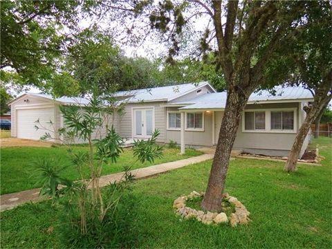 337 Creekside Dr Canyon Lake TX 78133