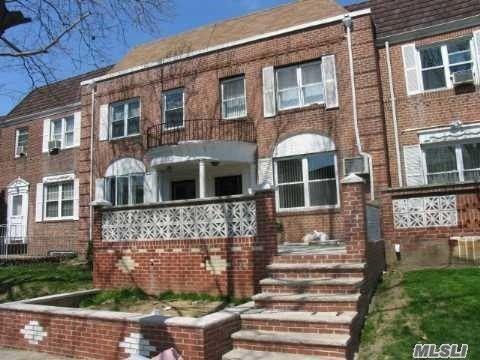 144 15 70th Ave, Kew Gardens Hills, NY 11367