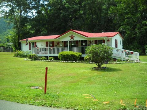 220 Lower Rock Creek Rd, Rock Creek, WV 25174