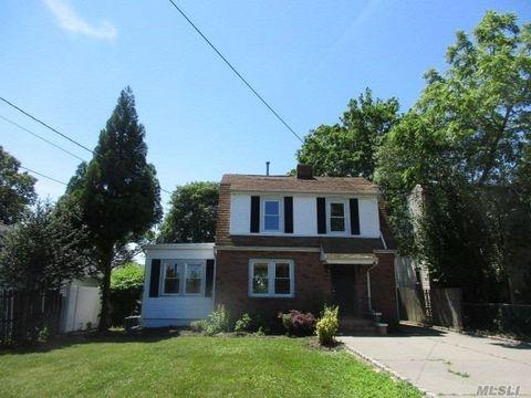 304 Greeley Ave, Sayville, NY 11782
