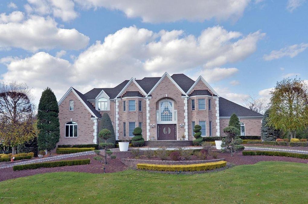 121 laredo dr morganville nj 07751 for Modern homes nj