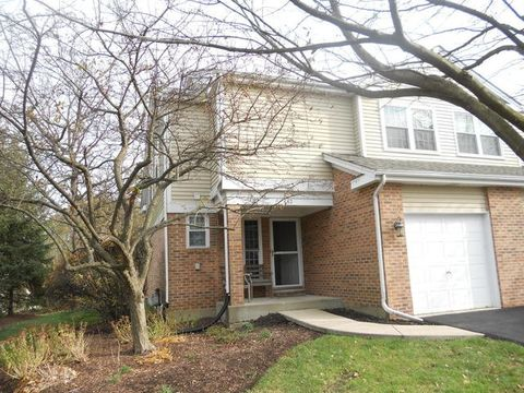 662 Hillview Ct, West Chicago, IL 60185