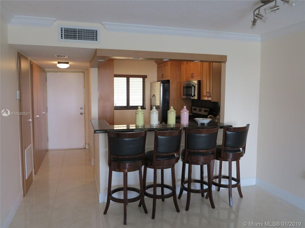 7801 Abbott Ave Apt 507, Miami Beach, FL 33141