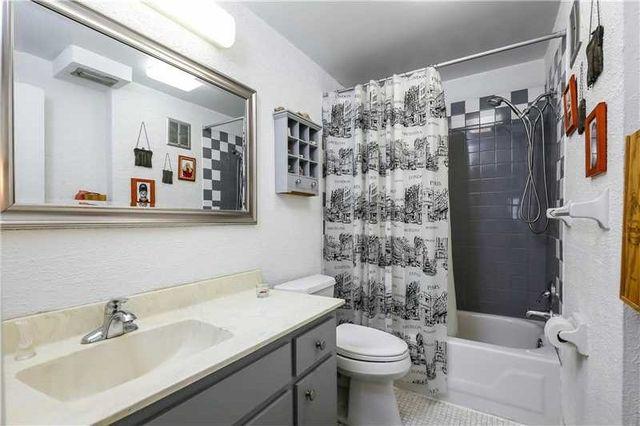 8107 Sw 72nd Ave Apt 410 E, Miami, FL 33143 - Bathroom