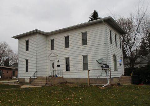 805 10th Ave, Rochelle, IL 61068