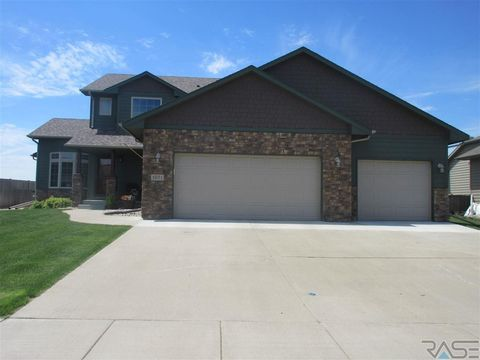 1601 S Kinderhook Ave, Sioux Falls, SD 57106