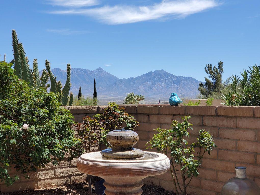 1041 W Camino Sagasta Green Valley, AZ 85622