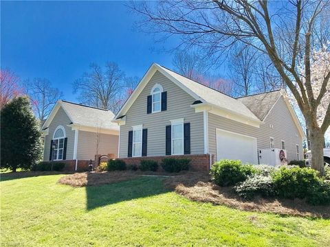Photo of 209 Cotswold Ln, King, NC 27021