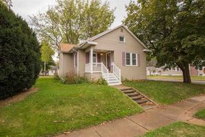 1937 W 3rd St Waterloo IA 50701