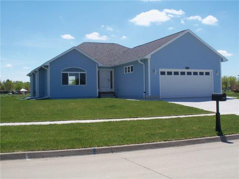 Photo of 2113 Sunflower St, Perry, IA 50220